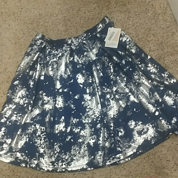 LuLaRoe Dresses & Skirts - NWT LuLaRoe Madison Skirt